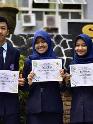 Juara 3 Tingkat Nasional Lomba POLYMER (Pharmaceutical Competition of Jember University)